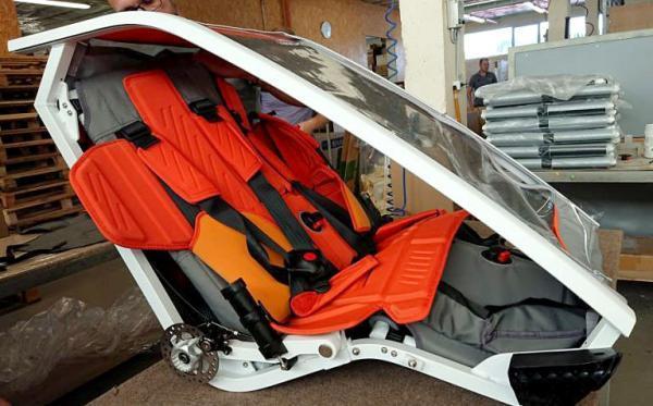 sykkeltrallen kid racer twin er bygget med en solid aluminiumramme for den beste beskyttelsen